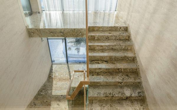 Гранитные лестницы и ступени